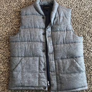 Men's vest.